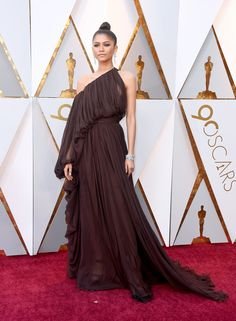 Zendaya Coleman in Giambattista Valli Couture - The Best Dressed On The 2018 Oscars Red Carpet - Photos
