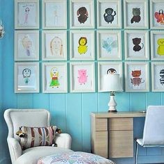 Дети любят рисовать. В произведениях искусства маленьких художников отражается их взгляд на мир. Если рисунки повесить в комнате ребенка, то интерьер приобретет свою уникальность. Устроить галерею детского творчества можно по-разному. ✔️В рамках. Просто, недорого, долговечно. В любой момент можно поменять рисунки и создать новую композицию. Если свободного пространства в комнате совсем нет, то можно отсканировать любимые рисунки и загрузить их в цифровую фоторамку. ✔️На прищепках. Просто…