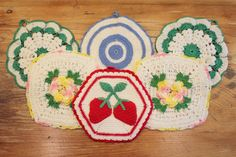 Pretty Pot Holders ... 6 Vintage Crocheted Potholders / Hot Pads
