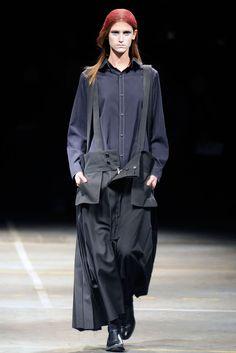 Yohji Yamamoto Fall 2010 Ready-to-Wear - Collection - Gallery - Style.com