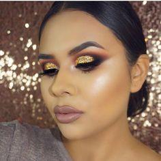Yes ma'am!!! 👏 @_makeupbygiselle This beauty is glowing using my #deysidangerhighlightpalette available @morphebrushes #morphexdeysidanger