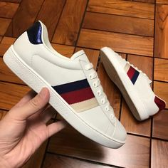 353fa7a902f Mens white Ace leather sneaker Gucci Sneakers