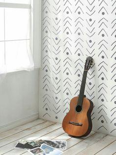 Olari tuppa, variant 1, seina toon õrn kollakas. Stencilit šabloonid - http://stencilit.co/et/sabloonid/