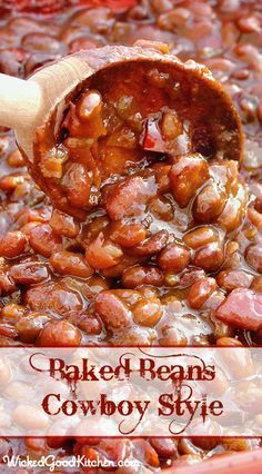 Baked Beans Cowboy Style ~ Secrets include a medley, plenty of chopped Applewood-smoked bacon, sweet Vidalia onion and sweet red bell pepper in a vegetable sauté as well as a rich, dark beer reduction for the sauce. Everyone will LOVE this recipe! Baked Bean Recipes, Texas Baked Beans Recipe, Crockpot Baked Beans, Pork And Beans Recipe, Best Baked Beans, Baked Beans With Bacon, Pinto Bean Recipes, Homemade Baked Beans, Beans Recipes