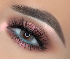 75 Most Gorgeous Pink Smokey Eyes Makeup Inspiration For Prom And Wedding – Page 33 of 75 – Diaror Diary – Maquillage des Yeux Pink Smokey Eye, Smokey Eyes, Smokey Eye Makeup, Black Smokey, Blue Eyeliner, Eye Makeup Art, Colorful Eye Makeup, Eye Makeup Tips, Makeup Looks