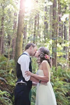 Love in the wood | The Loveliest Woodlands Wedding | Victoria Rodrigues Photographs