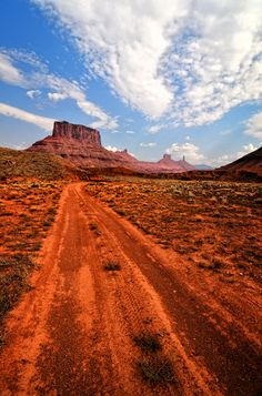 Professor Valley near the River Road just east of Moab, Utah.....© Jeff R. Clow