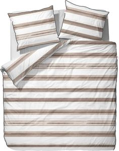 Die Bettwäsche »Kay« von Esprit Home ist schön dezent und modern. Die Streifen in Hellbraun lockern den weißen Hintergrund gekonnt auf und verströmen eine Ruhe, die man sich im Schlafzimmer nur wünschen kann. Der zarte Stoff aus 100% Baumwolle ist ein hautschmeichelnder Genuss. Raffinierte Eleganz, höchste Qualität, beste Verarbeitung und edler Glanz überzeugen zusätzlich. Der Kissenbezug und d...