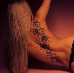 tattoo-female-black-flowers-on-the-back. Floral Back Tattoos, Wing Tattoos On Back, Flower Tattoo Back, Flower Tattoo Shoulder, Rose Tattoos, Body Art Tattoos, Girl Tattoos, Flower Tattoos, Tatoos