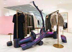 WEBSTA @ doverstreetmarketginza - new space Showroom Design, Visual Merchandising, Dover Street Market London, Dover Market, Visual Management, Fashion Showroom, Retail Windows, Visual Display, Creative Colour