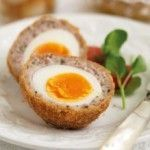 Scotch Egg syn free (Slimming World) made these they came out exactly like the picture, make sure you use small eggs or there isn't enough meat to cover. I added thyme to the mix with plenty of seasoning. Syn Free Snacks, Syn Free Food, Healthy Snacks, Healthy Recipes, Snack Recipes, Picnic Recipes, Picnic Ideas, Party Recipes, Appetizer Recipes