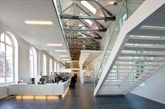Universiteits Bibliotheek Binnenstad (UBB) en studiecentrum van de Universiteit Utrecht. Het voormalige paleis van koning Lodewijk Napoleon aan de Drift uit 1807 onderging een renovatie en herbestemming in twee fasen: in 2009 is de eerste fase opgeleverd. Onlangs is het complex voltooid.
