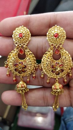 Jewellery Designs, Gold Jewellery, Bridal Jewelry, Jewlery, Small Earrings, Gold Earrings, Most Expensive Jewelry, Gold Bangles Design, Girly Pictures