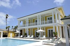 Colonial style house in the Bahamas Gallery Image West Indies Style, Colonial Style Homes, Victorian Architecture, Paradise Island, British Colonial, Interior And Exterior, Caribbean, Mansions, House Styles