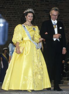 Queen Silvia at the Nobel prize ceremony in 1985 Dress made by Jorgen Bender