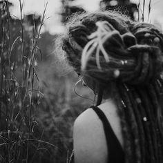 #dreadstyles #dreadshare #dreadbeads #dreadlocks #mountaindreads #divinedreadlockstribe #hairliketreeroots #dreadhair #dreadlockstyles #mydreadslife