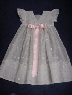 Would be great for a baby dress for wedding. Make out of eyelet? Would be great for a baby dress for wedding. Make out of eyelet? Vintage Baby Dresses, Little Dresses, Little Girl Dresses, Fashion Kids, Little Girl Fashion, Girl Dress Patterns, Kids Frocks, Heirloom Sewing, Baby Frocks Designs