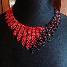 Bead Necklaces, Beaded Jewelry, Beads, Diy, Necklaces, Manualidades, Chains, Beaded Necklaces, Beading