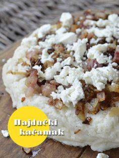 Kačamak prekriven slaninicom i sirom. Da lakše pregurate ove zimske dane  Da li ste čuli za hajdučki kačamak?  http://mezze.rs/februar-2014/ Str. 24-25.