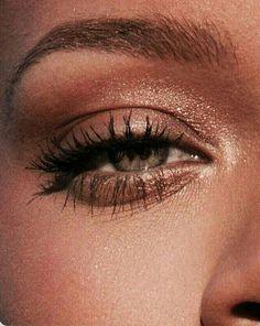 smoky eyes, bold lipstick and n . - smoky eyes, bold lipstick and nail art. Beautiful, natural make-up, make-up idea … – # bo - Makeup Trends, Makeup Inspo, Makeup Inspiration, Makeup Ideas, Makeup Tutorials, Makeup Art, Makeup Style, Dior Makeup, Makeup Salon