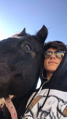 me and the boy lookin Cute Horses, Horse Love, Beautiful Horses, Beautiful Boys, Pretty Boys, Cute Country Boys, Cute White Boys, Country Men, Cute Couples Teenagers