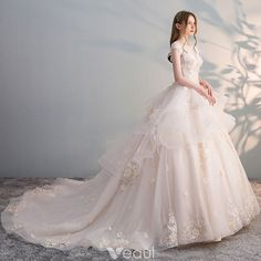 Chic / Beautiful Champagne Wedding Dresses 2018 Ball Gown Lace Appliques Pearl Sequins Scoop Neck Backless Cap Sleeves Cathedral Train Wedding in 2020 Red Lace Wedding Dress, Western Wedding Dresses, Wedding Dresses 2018, Princess Wedding Dresses, Bridal Dresses, Elegant Dresses, Pretty Dresses, Beautiful Dresses, Dream Dress