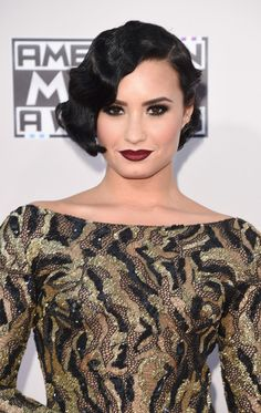 Best Hair & Makeup Looks At The 2015 American Music Awards. Just like the fashion, the red carpet was filled with glamour hairstyles and romantic makeup looks to set the scene. From stunning up…