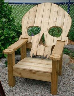I would love to have one of these in my yard! Only thing missing is a footstool
