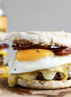 Bacon Cheeseburgers with a Fried Egg   Maple Aioli | howsweeteats.com