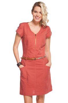 http://www.cache-cache.fr/fr/robes-courtes-femme/robe-style-saharienne-avec-zip-p-28798.htm?coul_att_detailID=382