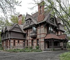 Shared from . The Day House🗝️ ca. Stunning Queen Anne located on Forest Street in the Asylum Hill neighborhood… My Dream Home, Dream Homes, Steampunk House, Vintage Homes, Castle House, Victorian Architecture, Victorian Houses, Beautiful Dream, Historic Homes