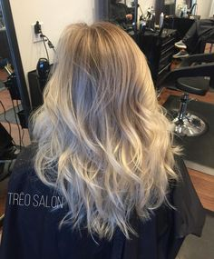 Beautiful blonde #treosalon #aveda #avedablonde #modernsalon #hairbrained #behindthechair #hairnerd @stylist.dana