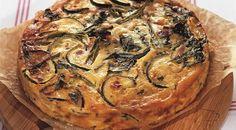 """""""Tortul de legume"""" este o gustare care te fascinează prin gustul uimitor și aspectul impresionant. Rețeta este foarte simplă și ușor de… Russian Recipes, Russian Foods, Atkins Recipes, What To Cook, Vegetable Pizza, Quiche, Healthy Recipes, Healthy Food, Sweets"""