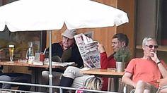 Angela Merkel und Joachim Sauer im Südtirol-Urlaub | Hier liest die Kanzlerin Akten … und ihr Mann BILD - Politik Inland - Bild.de