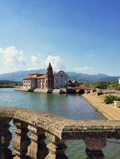 Somewhere in Bataan, there is a place that is reminiscent of Vigan. Read this to discover Las Casas Filipinas de Acuzar Philippines Destinations, Philippines Beaches, Philippines Travel, Manila Philippines, Bataan, Vigan Philippines, Philippine Houses, Philippine Holidays, Top Of The World