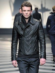 #RobertoCavalli Menswear FW 2012-13 fashion show - Details