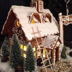 gingerbread house Más