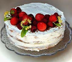 Cake Decorating, Cheesecake, Birthday Cake, Naked, Food, Mascarpone, Birthday Cakes, Meal, Cheesecakes