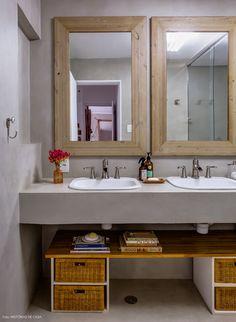 42-decoracao-banheiro-cimento-queimado-bancada-concreto-espelho-madeira