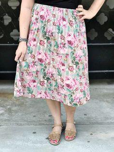 18 Things to Consider When Buying Midi Circle Skirts Circle Skirt Outfits, Circle Skirts, Best Coffee Nyc, Lularoe Jill Skirt, Have A Great Day, Skirt Fashion, Spring Fashion, Midi Skirt, Tank Tops