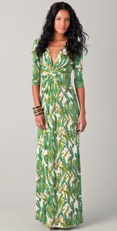 This dress makes me want to go on vacation!