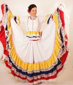 El costurero de Stella, curso gratis: Como hacer una falda doble circular Mexican Costume, Mexican Outfit, Traditional Mexican Dress, Traditional Dresses, Skirt Patterns Sewing, Costume Patterns, Folklorico Dresses, Mexican Skirts, Tribal Costume