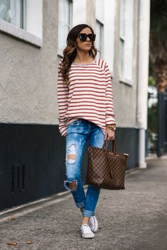 Casual Stripes Distressed Denim - Shirt Casuals - Ideas of Shirt Casual - casual stripes stripes stripe shirt distressed denim blank denim louis vuitton casual style celine sunglasses gold jewelry casual outfit Outfits With Striped Shirts, Outfits With Converse, Casual Outfits, Cute Outfits, White Converse, Converse Shoes, Red Chucks, Denim Converse, Stripes