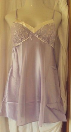 17.71$  Watch here - http://vicyh.justgood.pw/vig/item.php?t=t3lrr2x58381 - Morgan Taylor Satin Chemise With lace lined cups Lavender Size Large