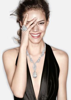 Harry Winston tell me all about (Marilyn Monroe, Diamonds are a girls best friend) Bling Bling, Freja Beha Erichsen, Harry Winston, Glamour, Diamond Are A Girls Best Friend, Fine Jewelry, Geek Jewelry, Jewelry Model, Gothic Jewelry