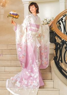 Today I am bringing along a beautiful assemblage of traditional japanese wedding dress kimono Today I am very pleased to showcase my yet another post Yukata, Furisode Kimono, Kimono Dress, Kimono Style, Japanese Outfits, Japanese Fashion, Japanese Dresses, Chinese Dresses, Japanese Clothing