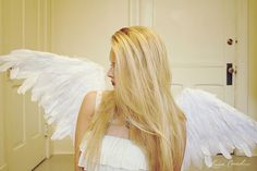 How to DIY feathered angel wings for Halloween {love this}