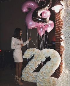 Find images and videos about girl, dress and happy on We Heart It - the app to get lost in what you love. 21st Birthday Themes, 21st Bday Ideas, Birthday Goals, 18th Birthday Party, Diy Birthday, Birthday Ideas, Cute Birthday Pictures, Birthday Photos, Birthday Balloon Decorations
