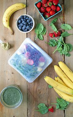 Easy prep ahead DIY freezer smoothie packs to make smoothie making during busy mornings that much easier! Healthy Detox, Healthy Meal Prep, Healthy Smoothies, Happy Healthy, Healthy Eats, Healthy Breakfast On The Go, Healthy Breakfast Recipes, Easy Healthy Recipes, Breakfast Ideas