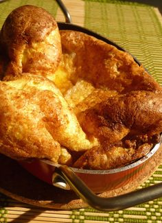 My Grandmother's Yorkshire Pudding: What Would Jessie Dish? Week 17 - Yorkshire Pudding out of oven 9 10 - Retro Recipes, Vintage Recipes, Great Recipes, Favorite Recipes, Traditional Yorkshire Pudding Recipe, Yorkshire Pudding Recipes, Yorkshire Pudding In A Pan, Flan, Popover Recipe